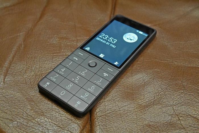 Что может получиться, если известный производитель смартфонов попробует сделать кнопочный телефон hi-tech and devices