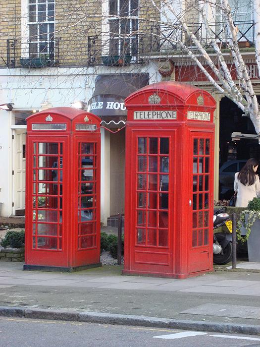 История появления красной телефонной будки