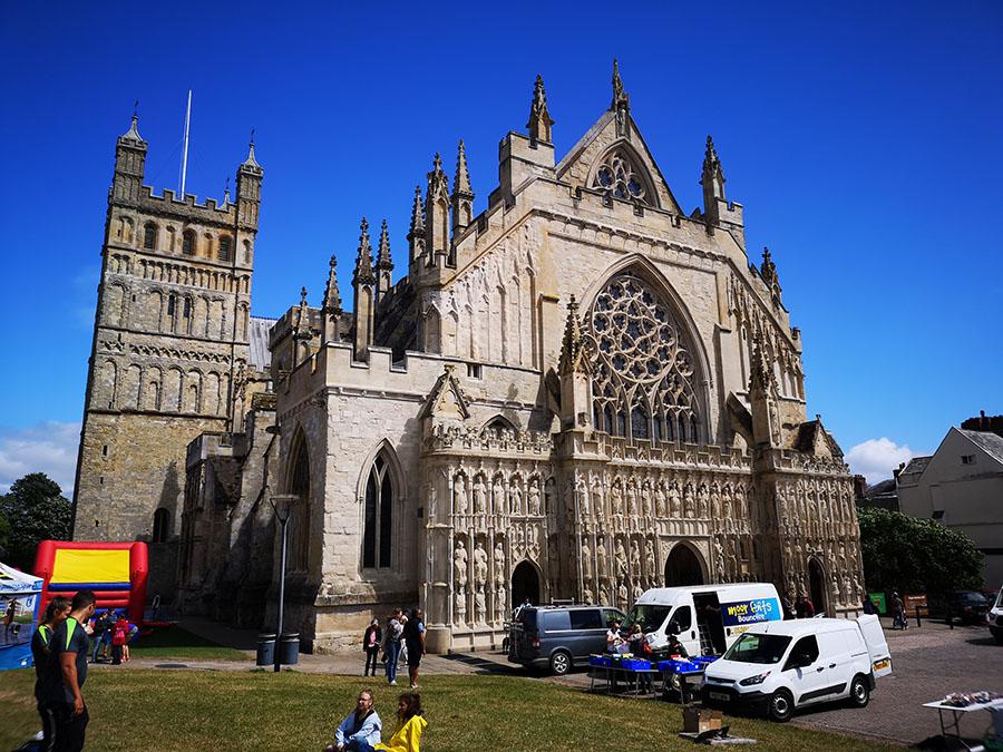 Город Эксетер (Exeter) — главный город английского графства Девоншир авиатур