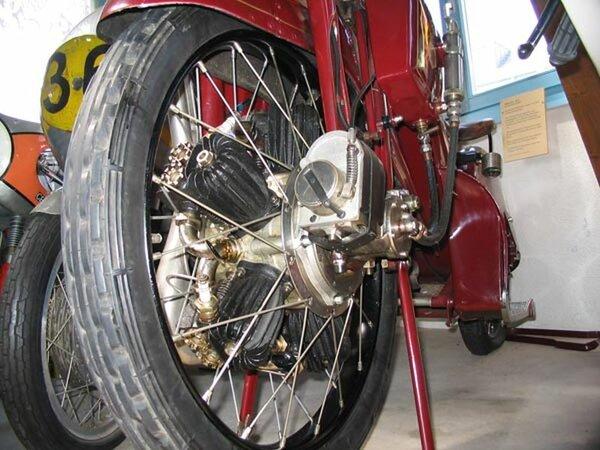 Megola. Легендарный мотоцикл с мотором в переднем колесе мото