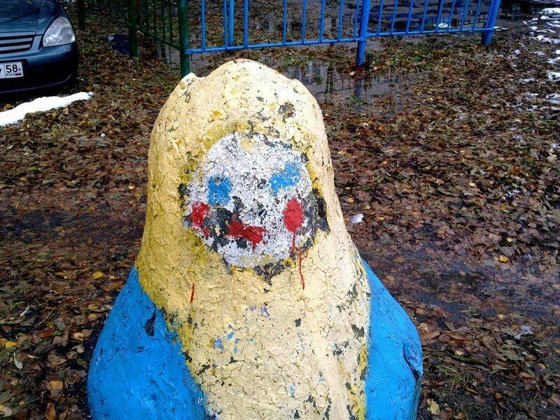 Русская Барби: матрёшки во дворах и в общественных пространствах город