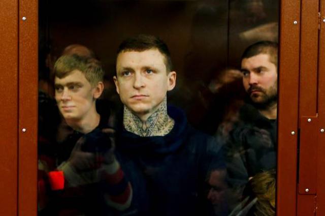 Футболистам Павлу Мамаеву и Александру Кокорину продлили арест новости