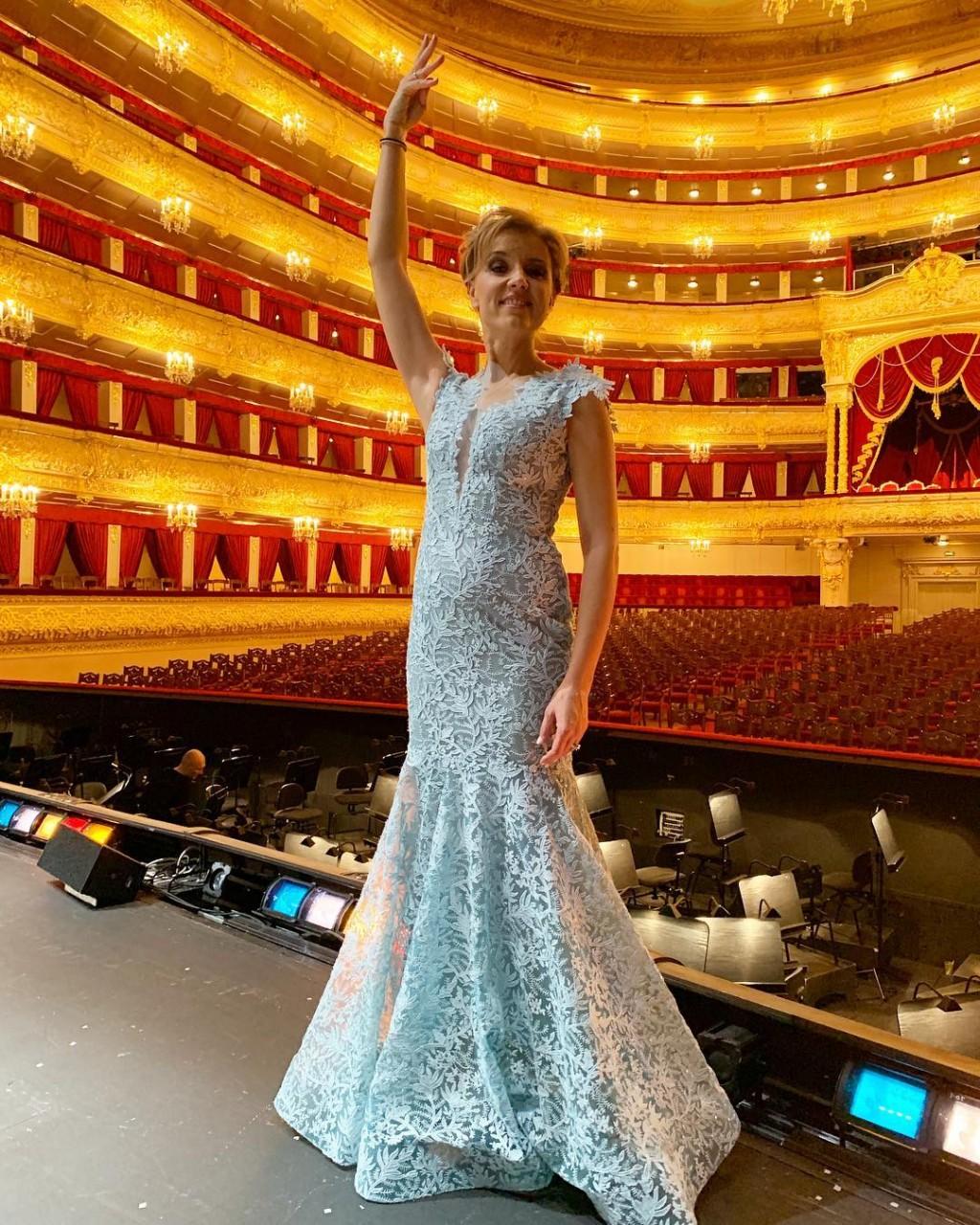 «А вам идёт Большой!!»: Ксению Алферову поздравляют со второй беременностью