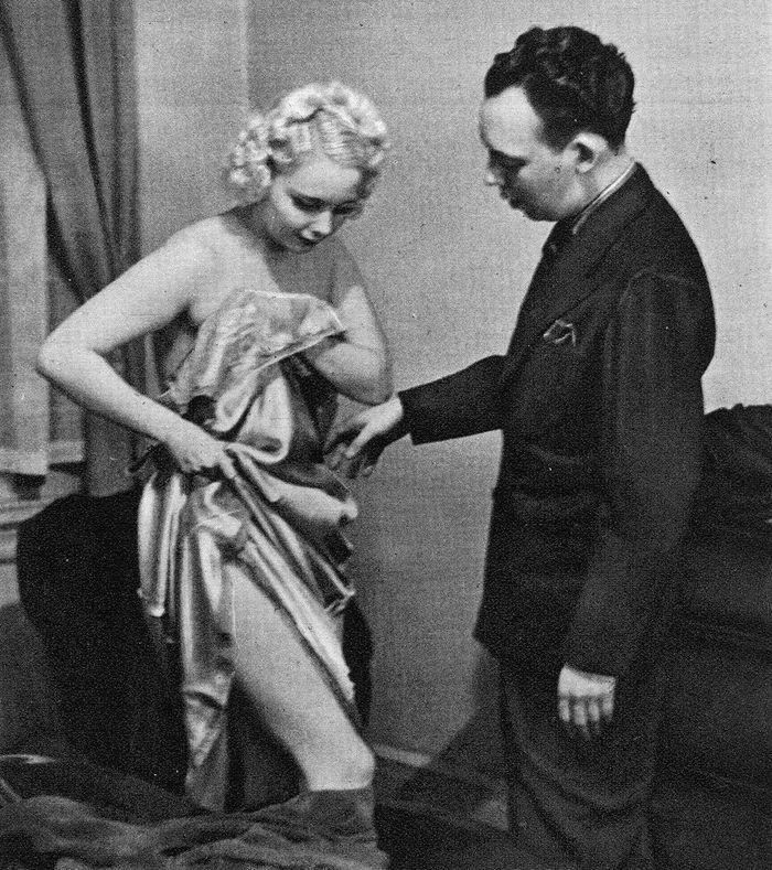 Как раздеваться перед мужем: руководство 1937 года, которое пригодится современным женщинам брак и семья