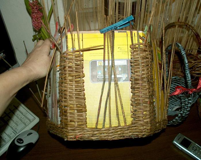 Плетение из газет-кормушка для птиц из газет