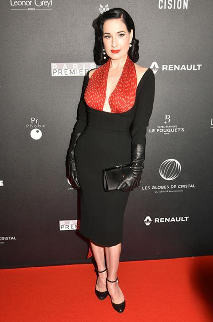 Сальма Хайек, Дита фон Тиз и другие на церемонии вручения премий The Globe de Cristal Awards в Париже красная дорожка